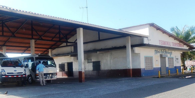 www.puertoarmuelles.com